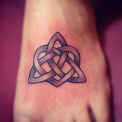 Tattoo of celtic knot